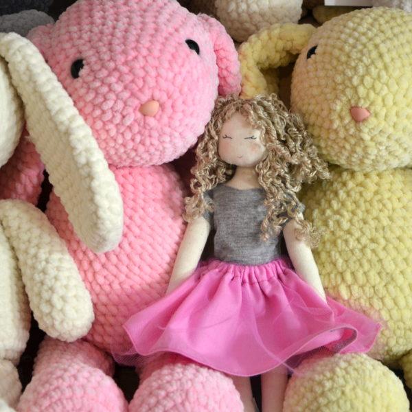 nasze króliczki w towarzystwie malutkiej Calineczki z zaprzyjaźnionej pracowni Szyje Pani Na Maszynie